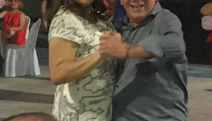 VEJA VÍDEO DA FESTA: Alvo principal de José Aldemir, vereadora Léa Silva dança, mas não adere