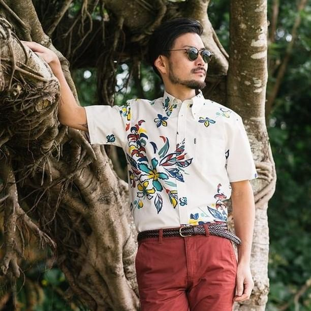 🔥🔥🔥PC:@majunokinawaus Clothing (Brand)Fashionably-and-culturally-rich clothing inspired by#AlohaShirts&#KariyushiWear. Born in 2007. Showroom open every fridays 🌺🤙🏼🌺🌴 A happy color with a Latin mood to increase your tension! It features a happy color that makes you want to wear sleeves on a pleasant summer day. The bright colors reminiscent of South America create a cheerful atmosphere.  Link in Bio!  #okinawaalohashirt #OkinawaShirt #MajunOkinawaus #Hawaiianshirtokinawa #Okinawa