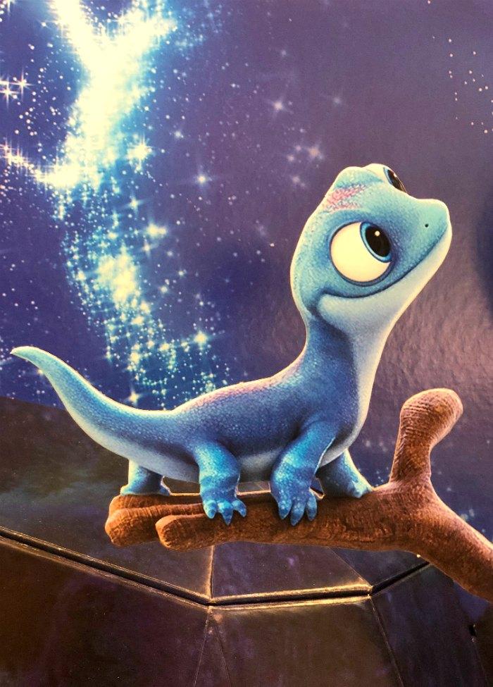 Bruni Coloring Pages Frozen 2 Lizard In 2020 Frozen Disney Movie Disney Cuties Cute Disney Wallpaper