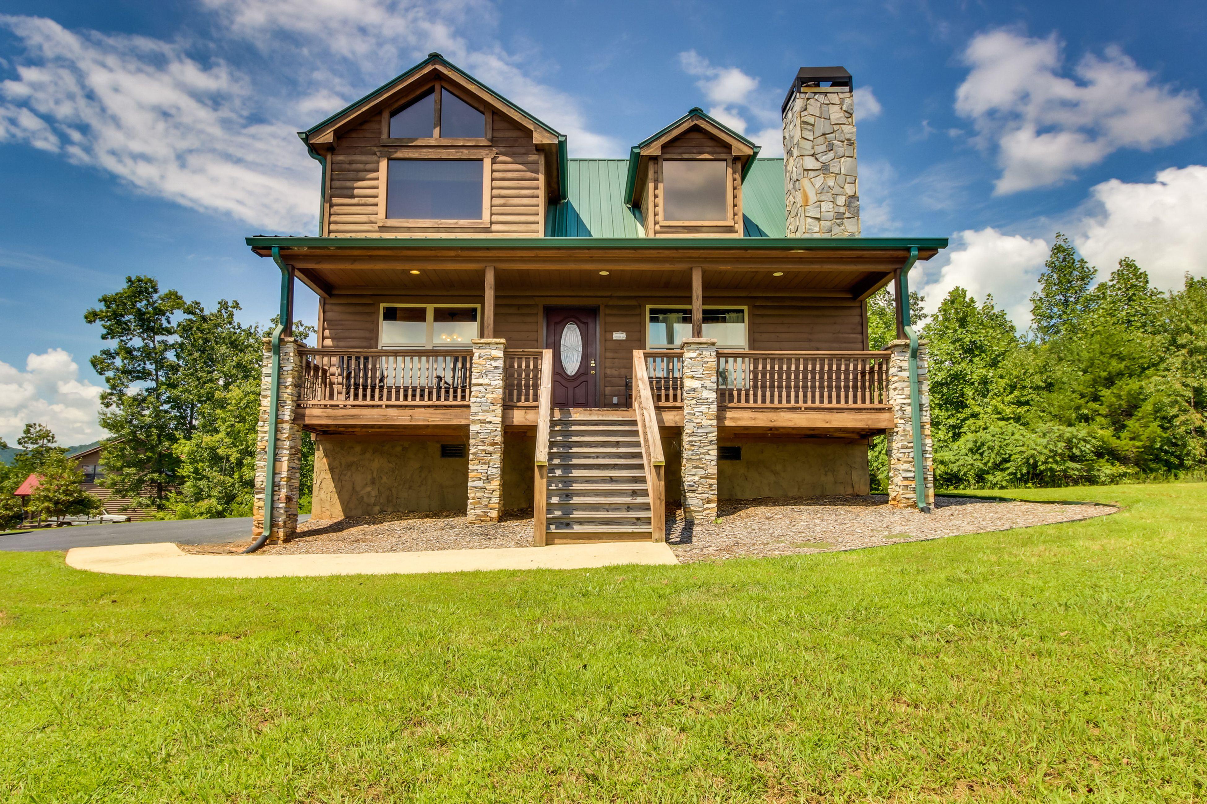 Extraordinary luxury cabin getaway with striking panoramic