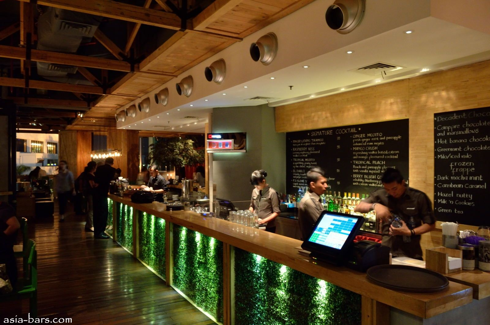 Bar counter designs for restaurants google search Bar counter design