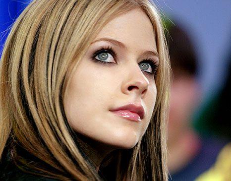 Avril Lavigne Photo Avril Smile 3 Avril Lavigne Photos Avril Lavigne Pictures Avril Lavigne