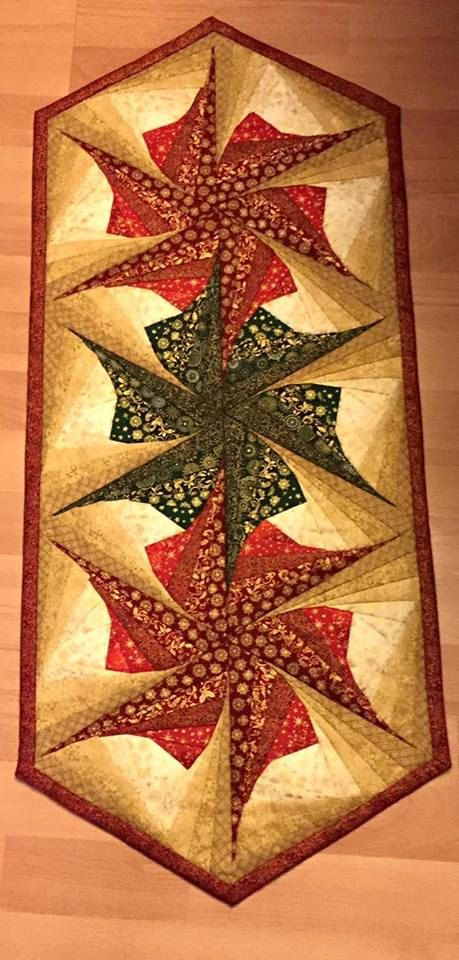 Twisted Log Cabin Poinsettia Table Runner Pattern Table
