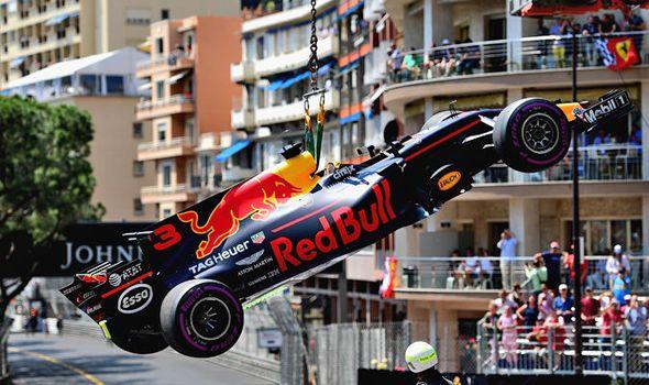 Monaco Grand Prix qualifying 2017: Daniel Ricciardo suffers TERRIFYING brake failure
