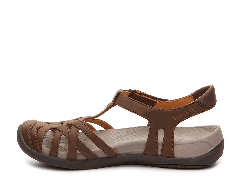 f475201c0d3d Bare Traps Feena Sport Sandal Women s Shoes