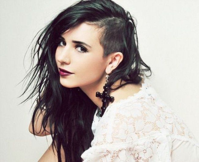 Female Hairstyles Extraordinary Shaved Sides Hairstyles Women What Do You Think Goth Punk Womens