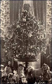 First Electrically Lighted White House Christmas Tree In  Was Displayed In The White House By First Lady Frances Cleveland This Event Was Instrumental