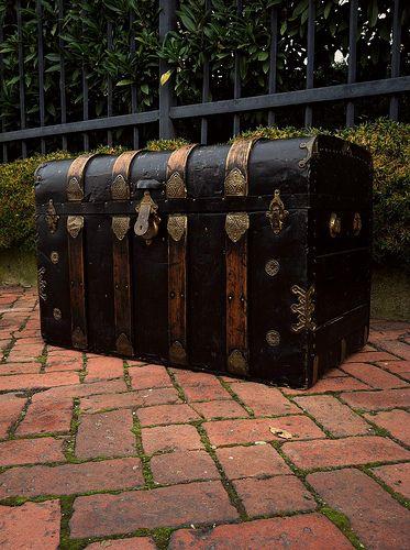 Antique Victorian Solid Oak And Black Metal Steamer Trunk Solid Oak