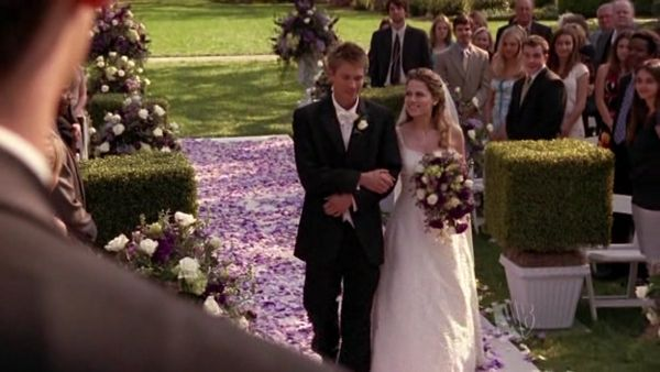 One Tree Hill Les Frères Scott Mariage Nathan Haley Garden