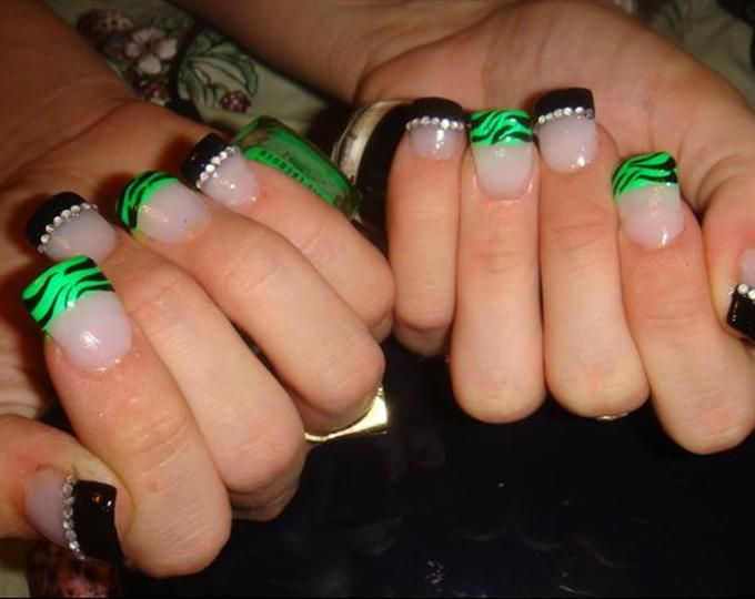neon green & black zebraz - Nail Art photos - Neon Green & Black Zebraz - Nail Art Photos Nails! Nails¡ Nails