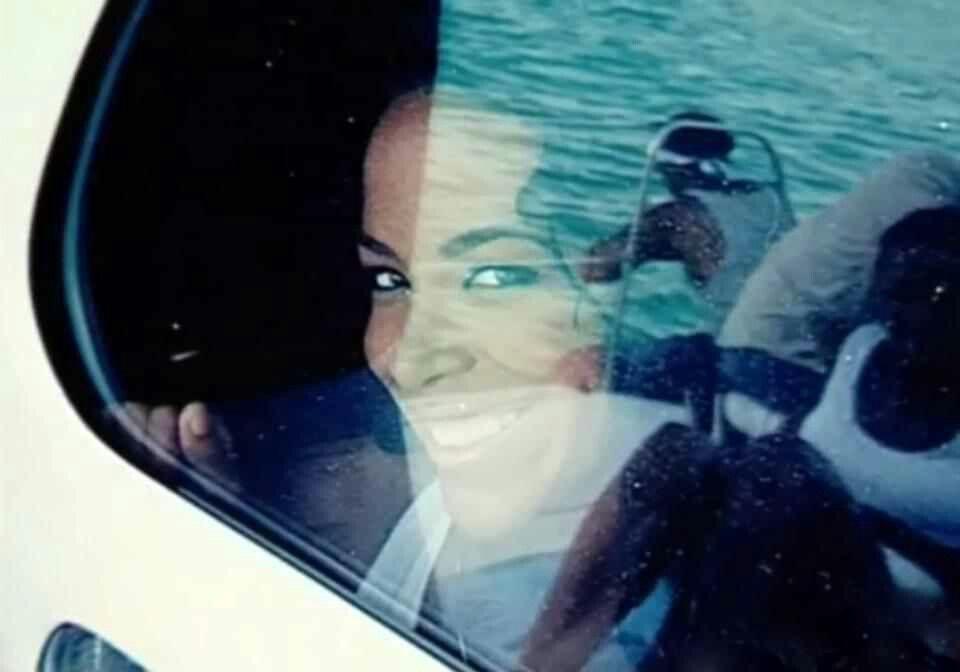 The Very Last Picture Of Aaliyah When Filming Rock The Boat Rip Aaliyah Haughton Aaliyah Aaliyah Singer