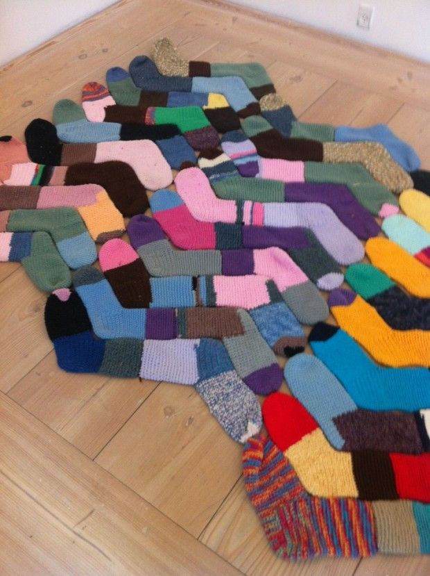 Crafty DIY Ideas With Old Socks Socks Creative And Craft - Diy rugs projects