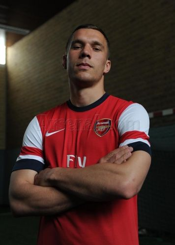 Lukas #Podolski in #Arsenal colours