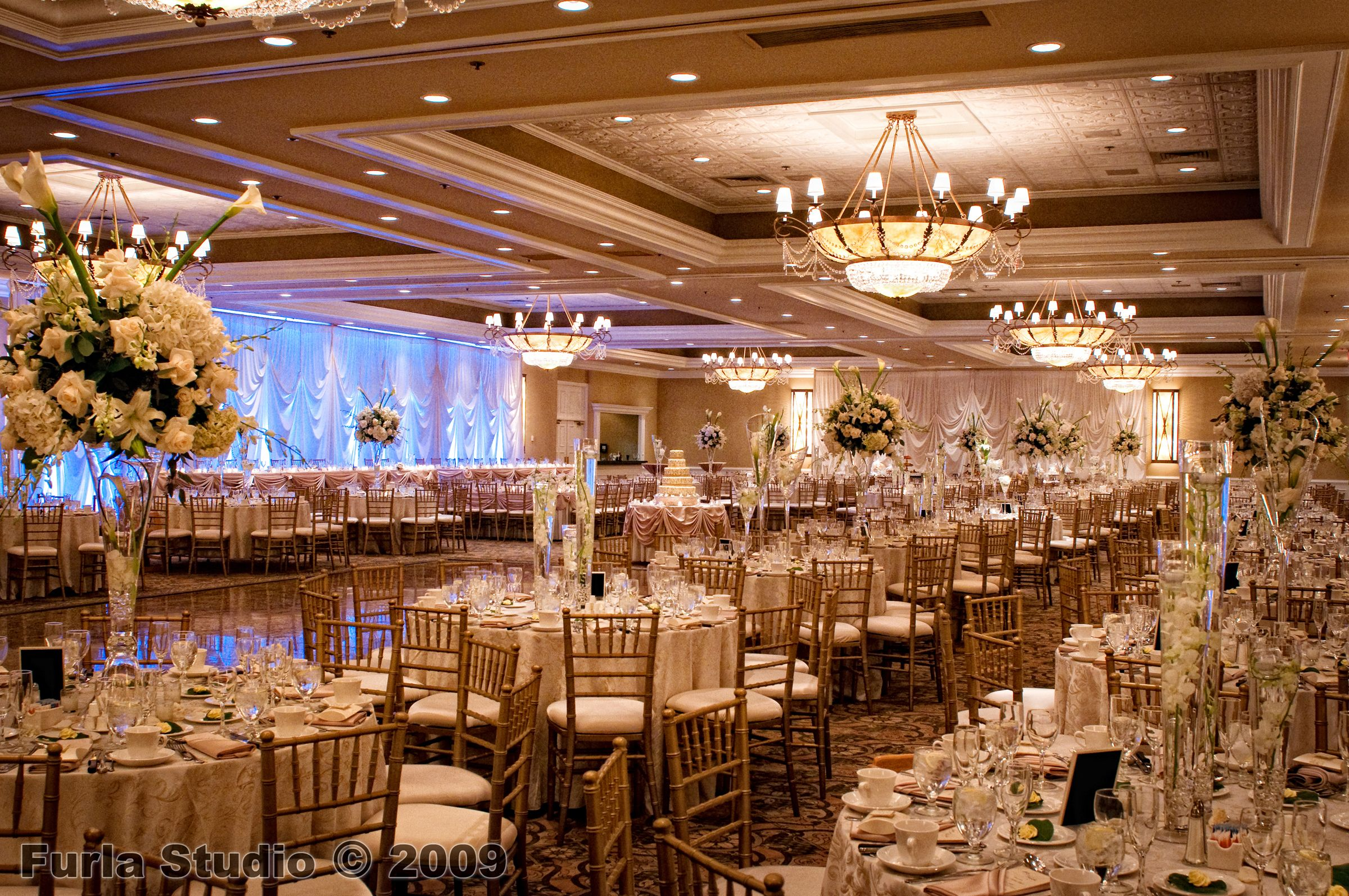 Fancy Banquet Hall Wedding Reception Hall Chicago Wedding Venues Modern Wedding Decor