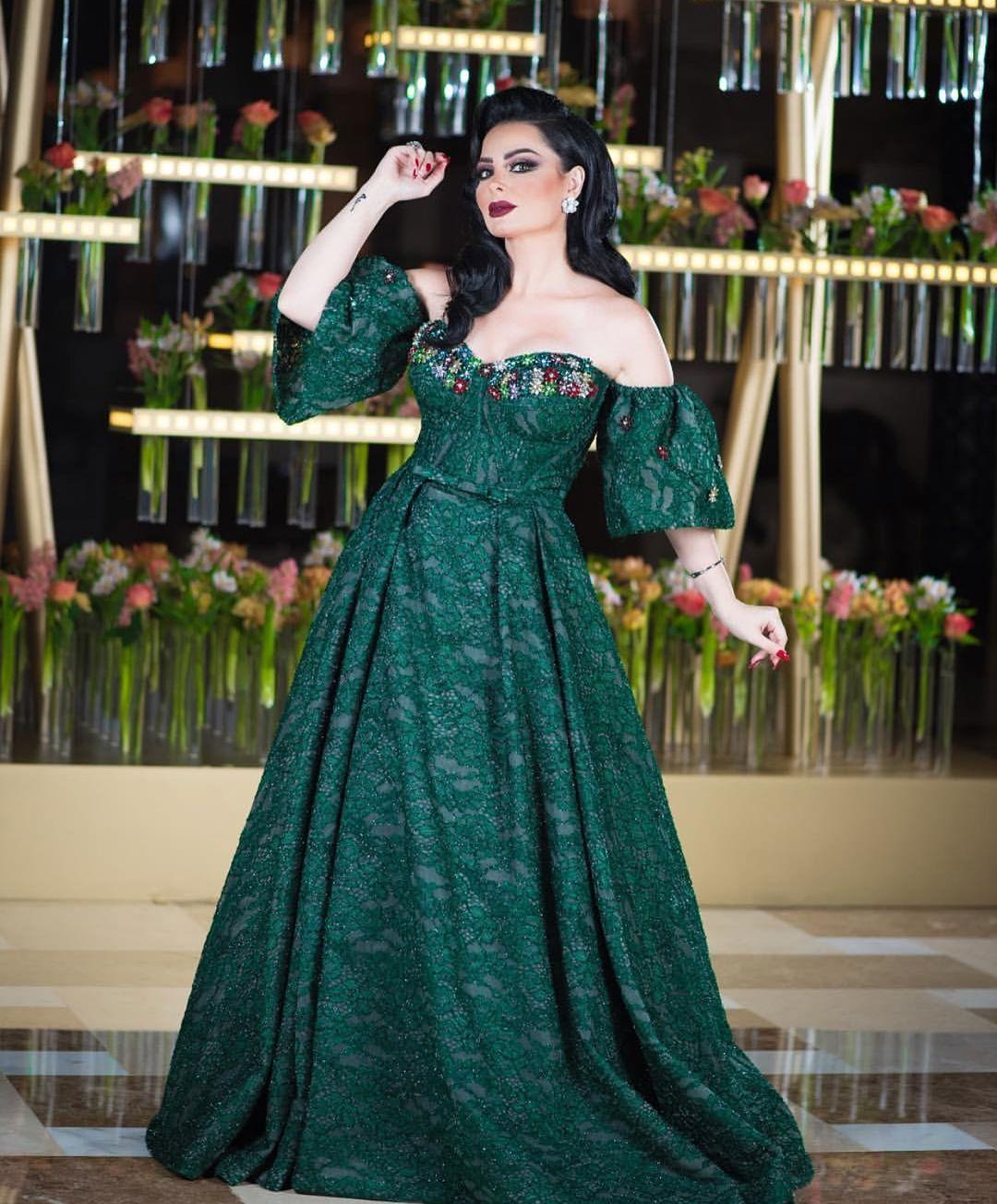 اخترنا لك اجمل فساتين انستقرام 2019 طويلة Dresses Strapless Dress Formal Fashion