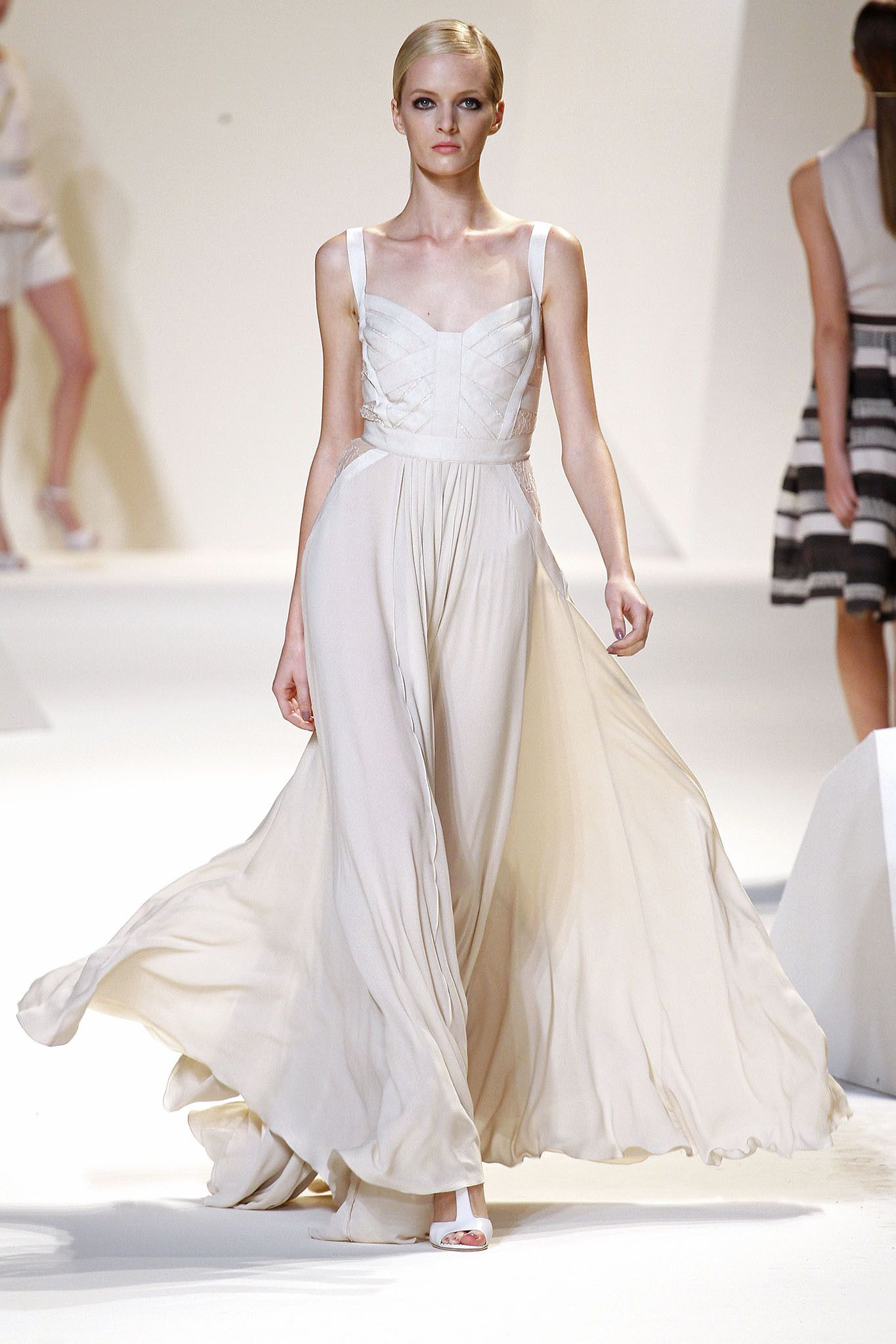 Elie Saab Spring 2013 Ready-to-Wear - Collection - Gallery - Style.com