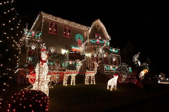 Christmas Lights Adorn Business In Brooklyn, New York - Christmas Lights Adorn Business In Brooklyn, New York ~*Tour Of