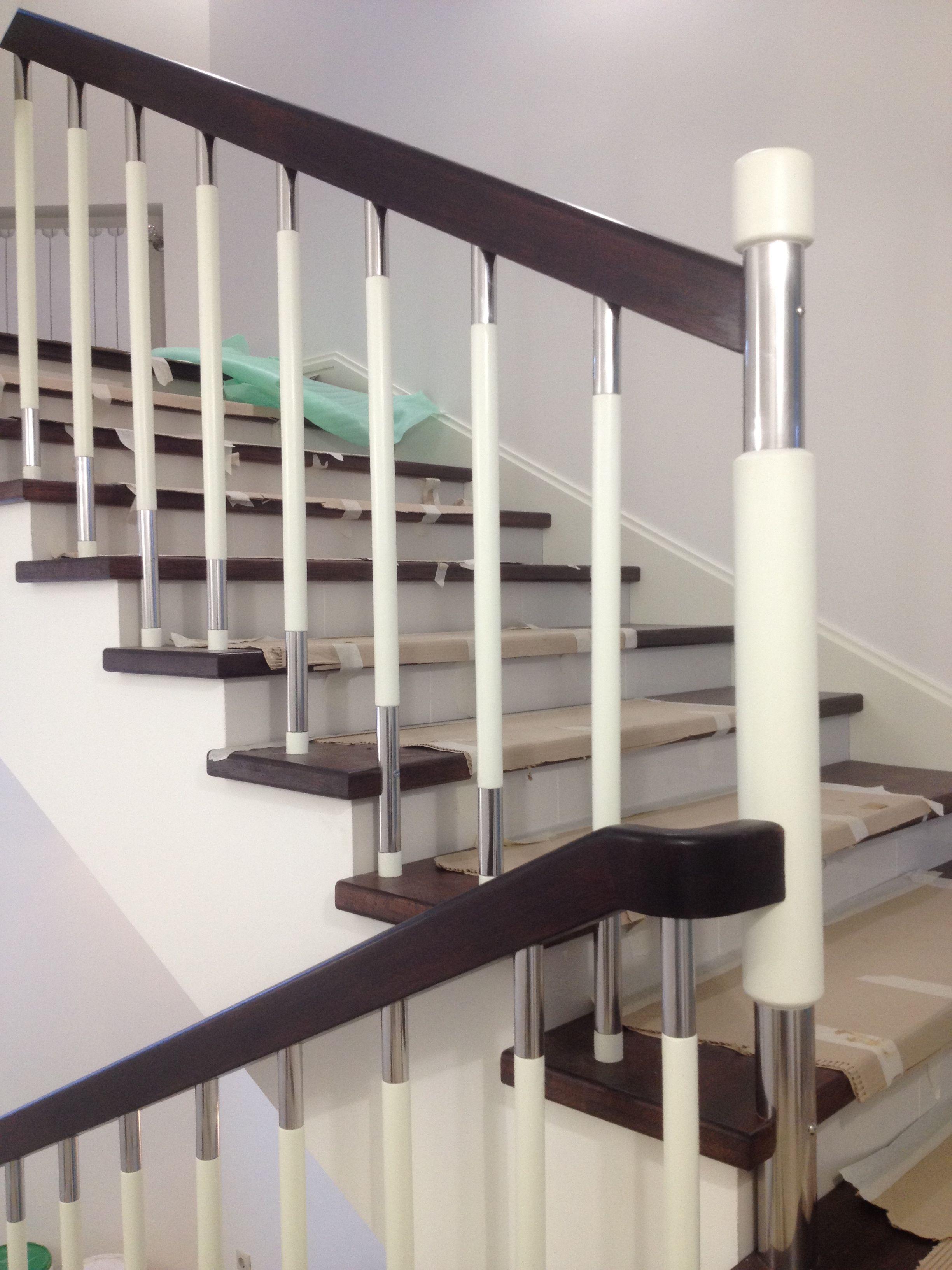 фото лестниц с поручнями лесостепная