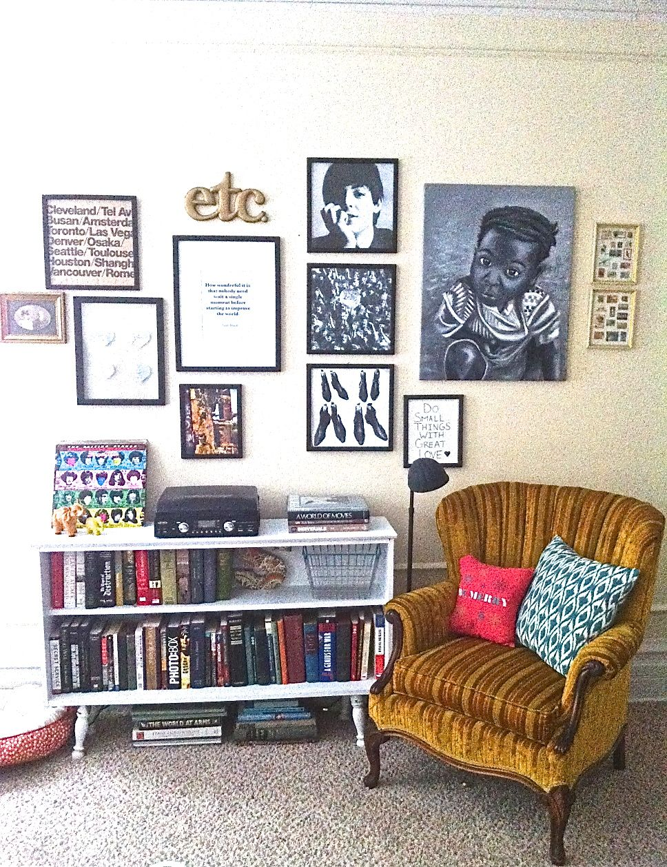 small space eclectic collection wall gallery vintage small space redo apartment decor - Eclectic Apartment Ideas