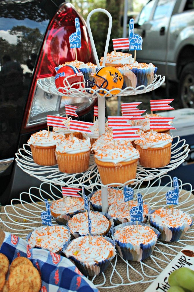 Diy Flag Cupcake Toppers Made With Craft Paper Glue