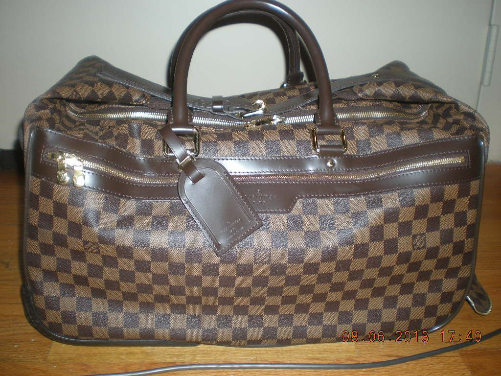 Hey everyone! I'm selling some of my #louisvuitton bags :)  This one is awesome! Its an Eole 50.  I have it posted on Craigslist http://newyork.craigslist.org/mnh/clo/3989597857.html   Check it out for more pics. I would be willing to ship as well :) #sales