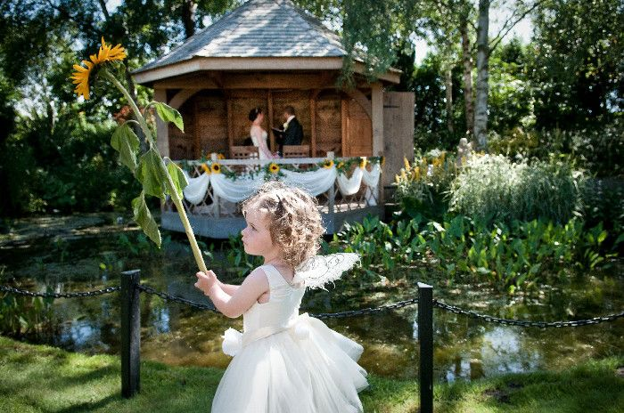 South Farm S Summer House Sits In Idyllic English Countryside The Wedding Venue Is Near Royston