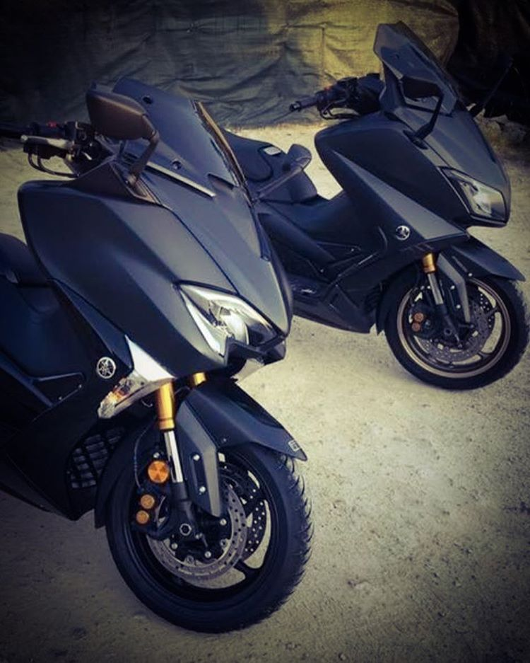 4 Mentions J Aime 1 Commentaires Tmax Belgium Tmaxbelgium Sur Instagram 2016 Vs 2017 Tmaxbelgium Tmax2017 Tmax53 Trike Motorcycle Motorcycle Yamaha