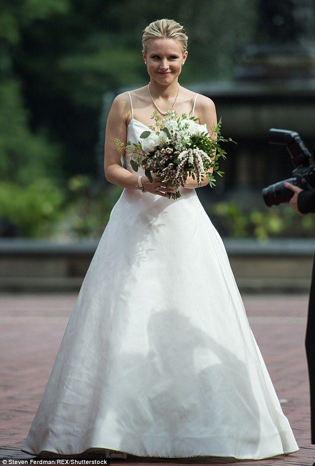 Kristen Bell Dons Wedding Dress For Film Shoot In Central Park