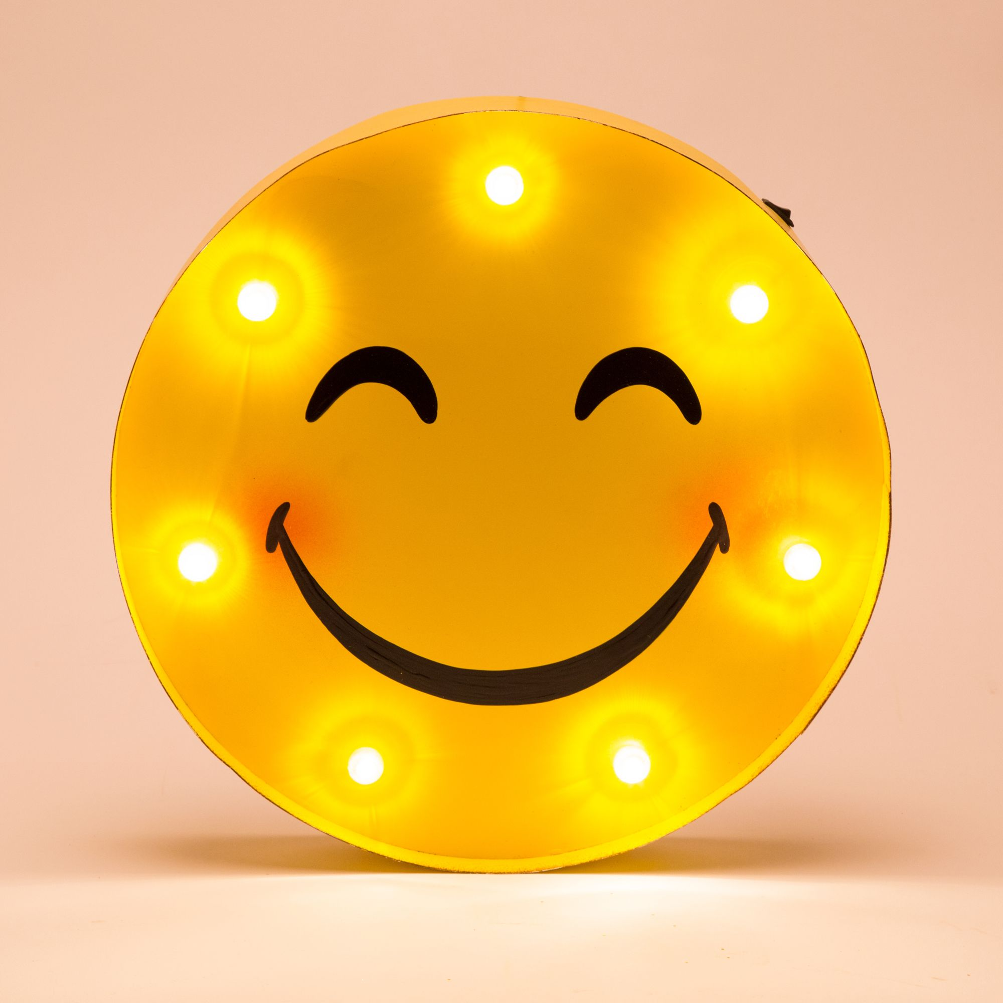 Glitzhome Marquee LED Lighted Smiley Face Sign Wall Decor Battery ...