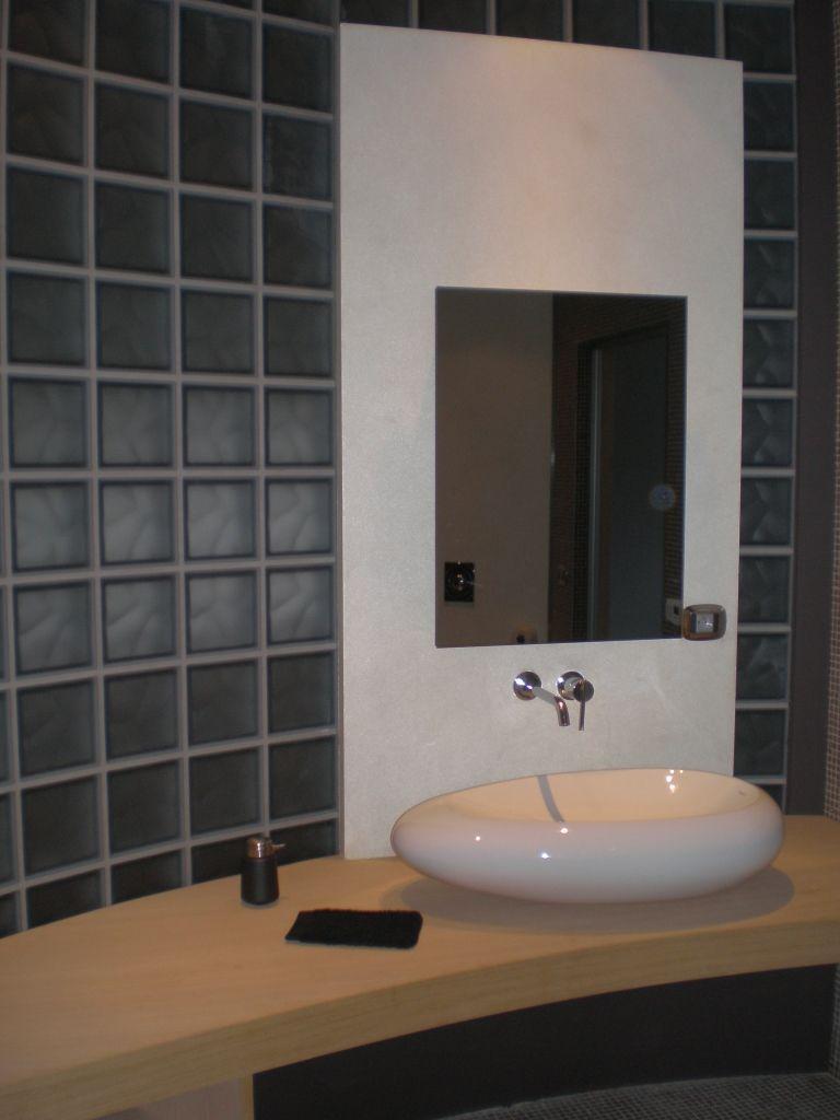 glasblokken in de badkamer perfecte binatie badkamer