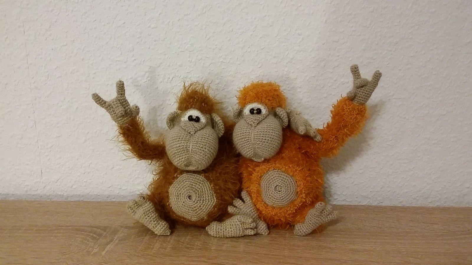 Crochet amigurumi monkeys by Zalja