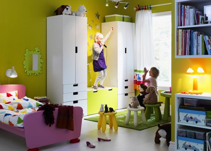 Ikea kinderzimmer  Set the stage for play! In this bedroom, she's in the spotlight ...
