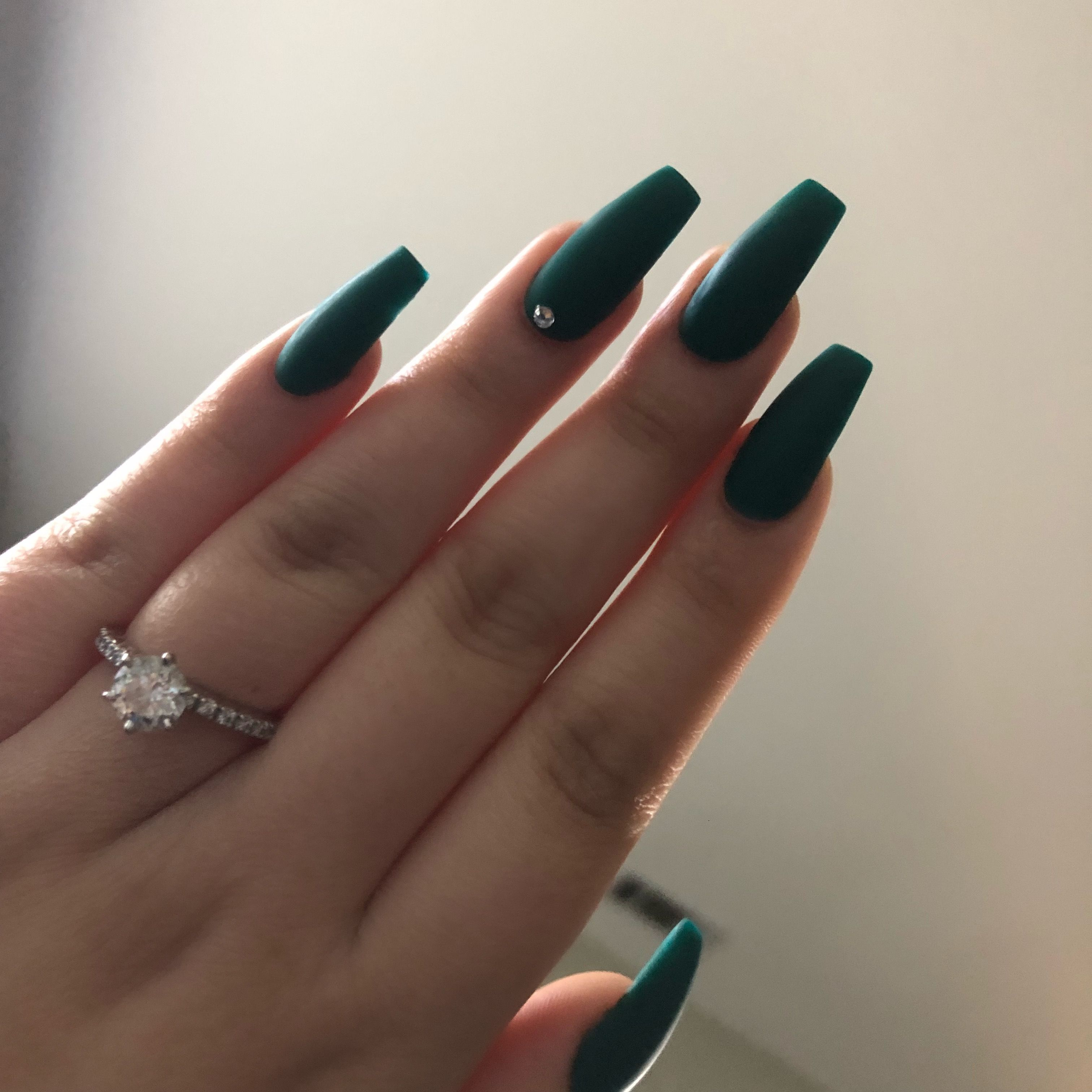 Matte Green Acrylic Nails Coffin Matte Green Engagementring Green Acrylic Nails Dark Green Nails Prom Nails