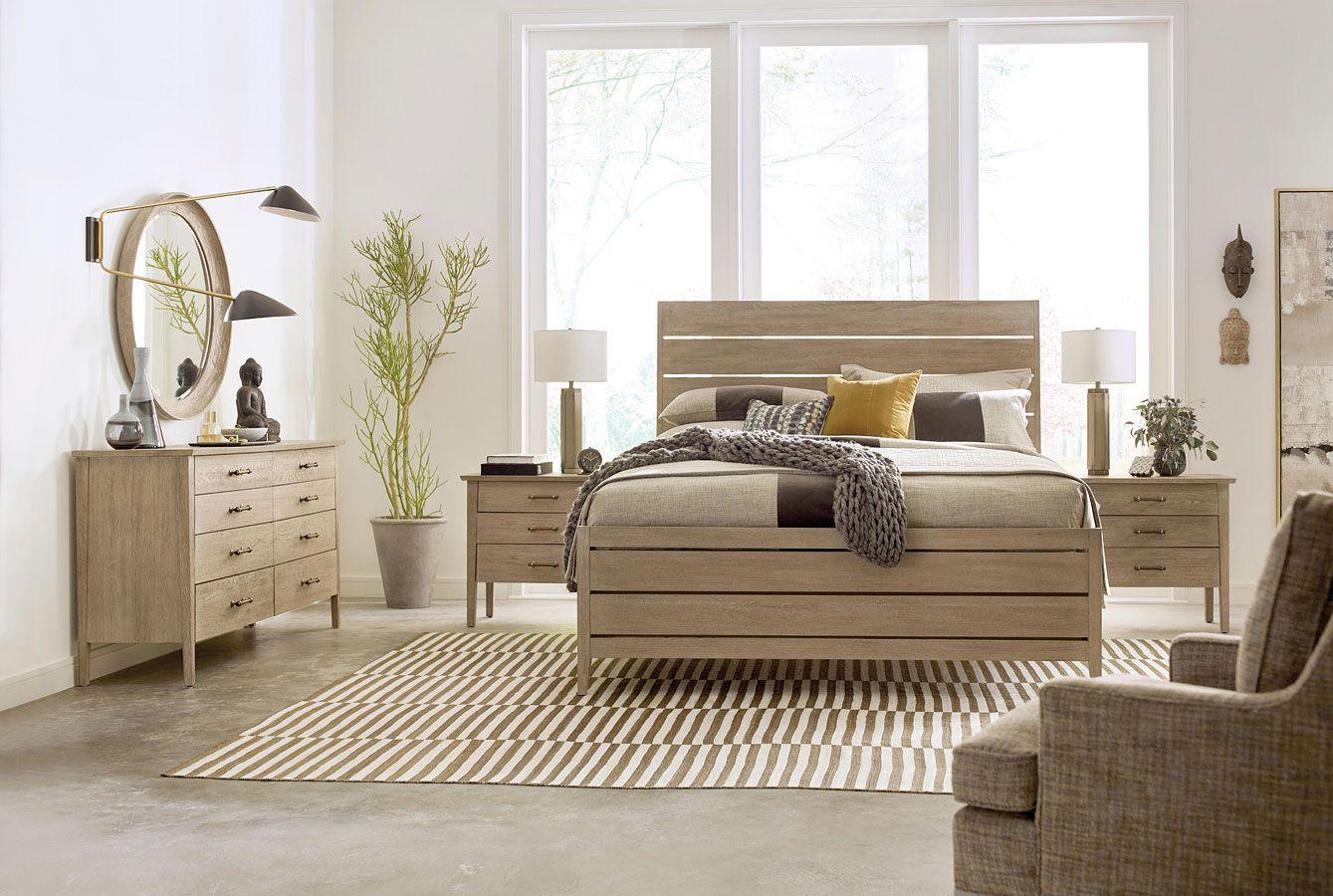 Symmetry Incline Oak High Footboard Bedroom Set Kincaid