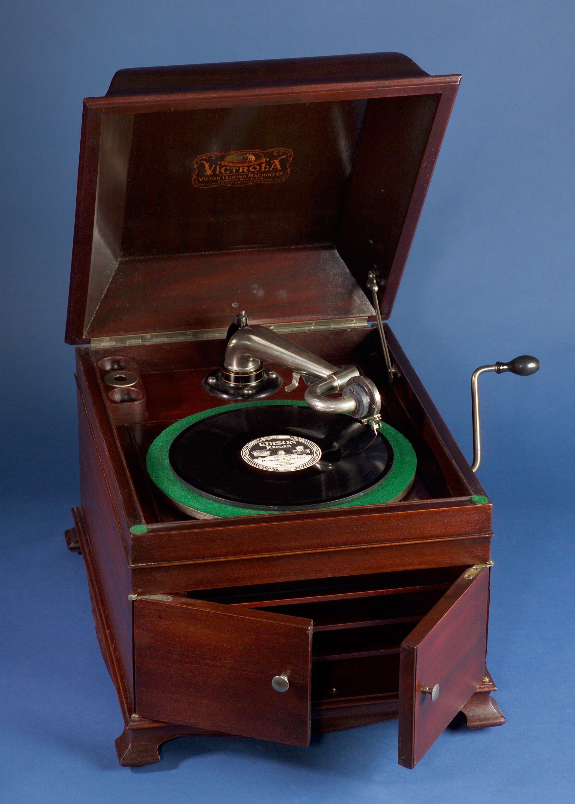 Victrola Victor Talking Machine Co Talking Machines Vintage Record Player Record Players