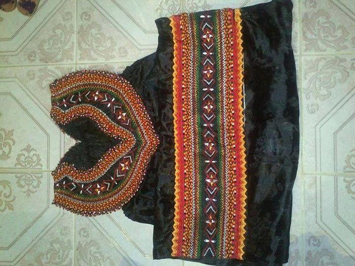 Models de robes kabyles robe kabyle pinterest for Maison kabyle moderne