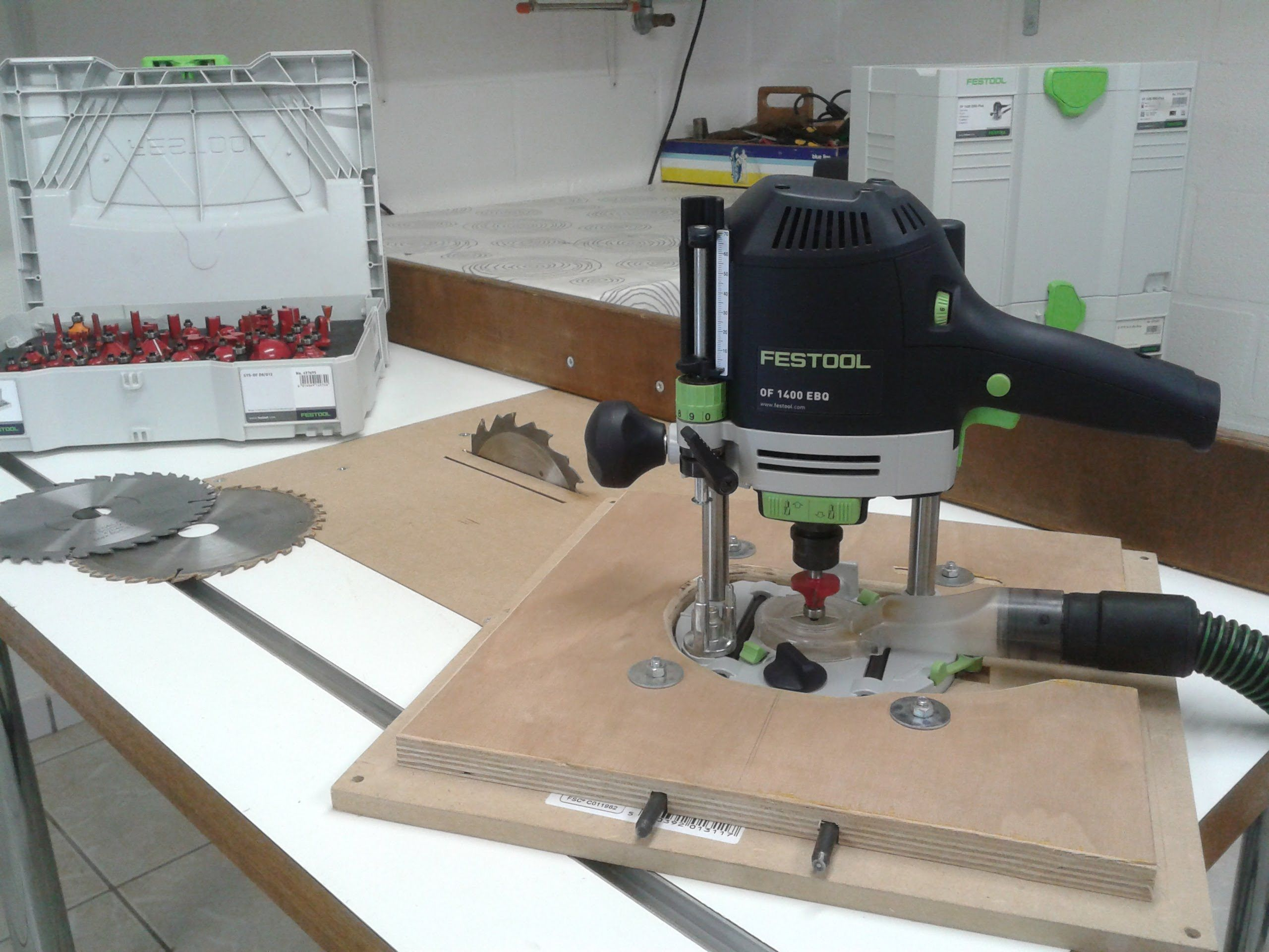 Homemade table saw router table festool of1400 for How to make a router table