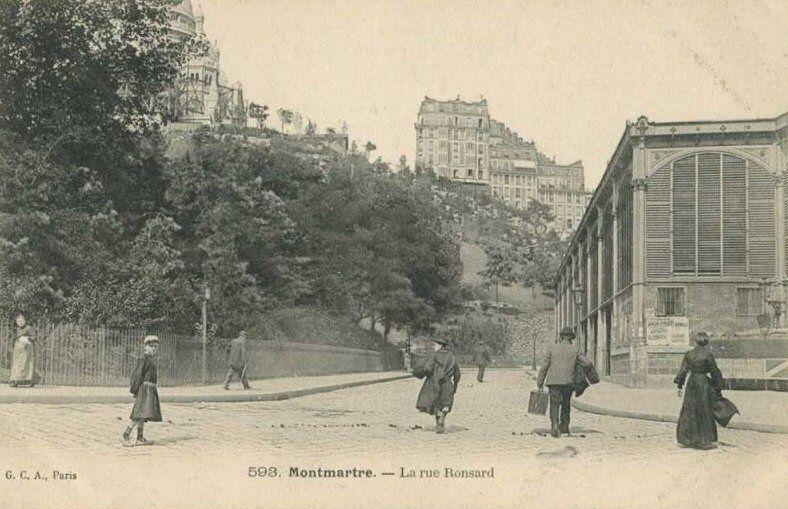 La Rue Ronsard 18eme Vue Depuis La Place St Pierre La Halle