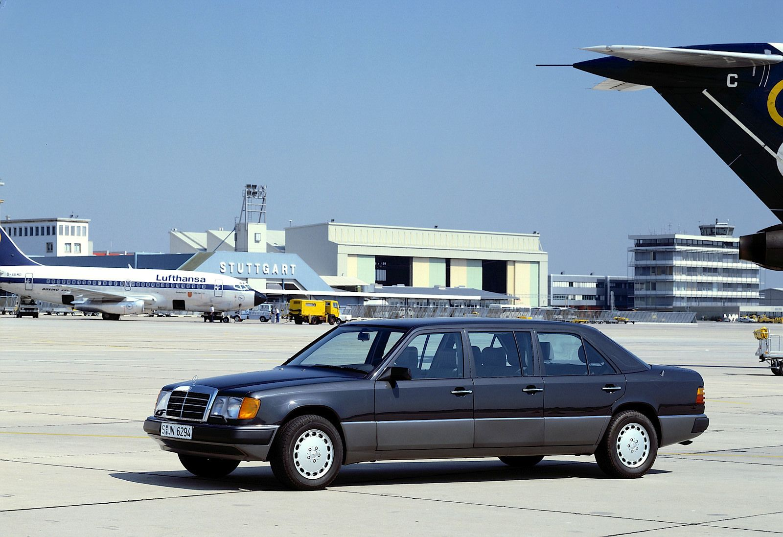 Mercedes-Benz 260E (W124) LWB 6-door Limousine | Flickr - Photo Sharing!
