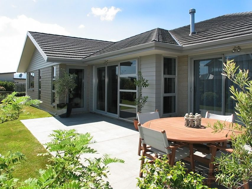 SOLD Open2view ID335618 (7 Semaphore Lane) Property for