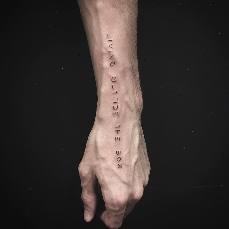 Pin de Thushar Bangera em Small tattoos em 2020   Ideias ...