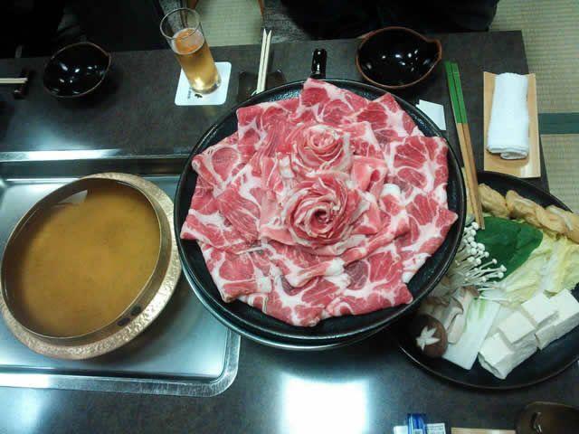 鹿児島といえば、黒豚シャブでしょう!ダシが沸くのが待ちきれな~い。【ぴろしさん】