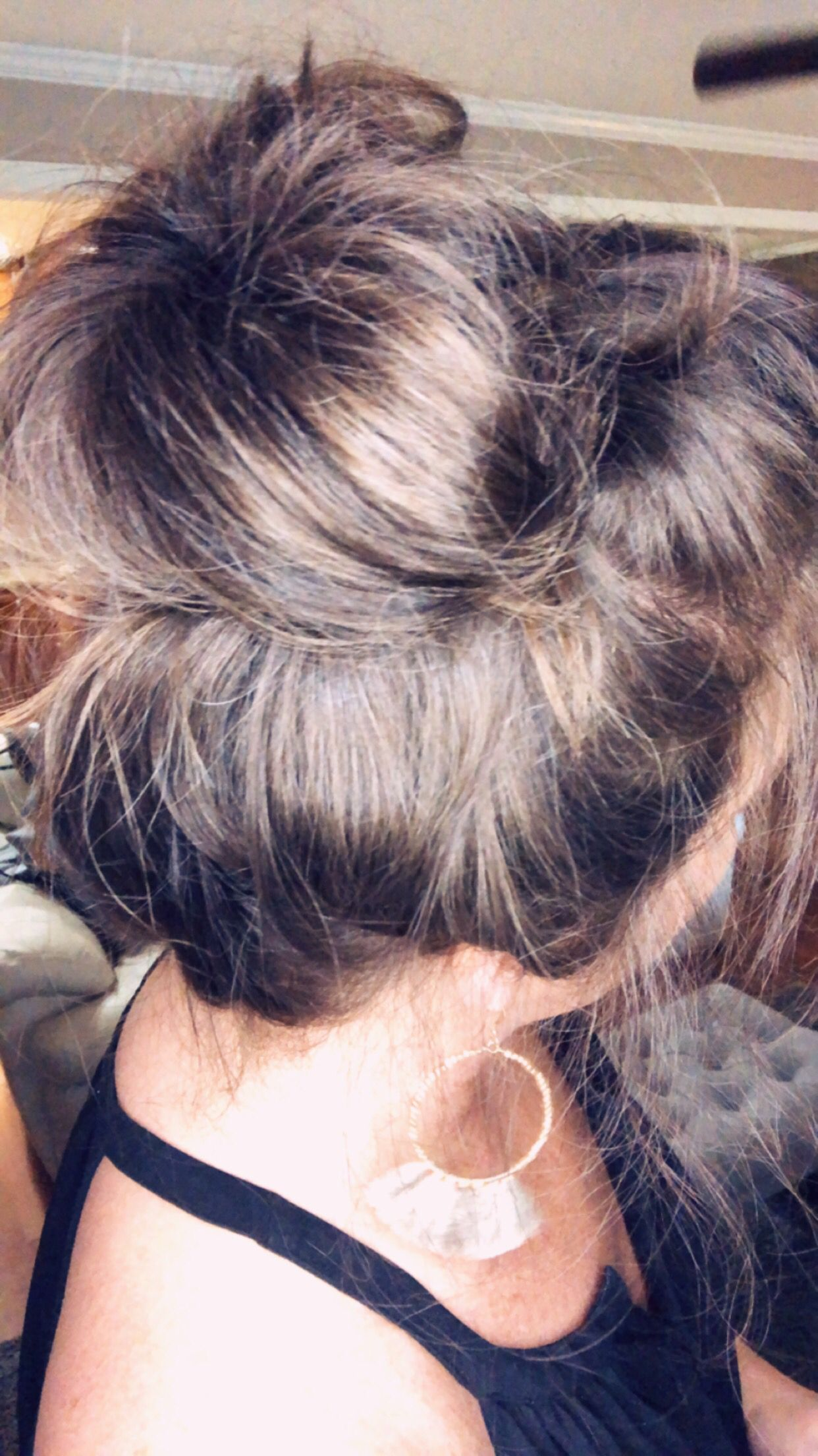 Tutorials for quick and easy messy buns and cute updos hairstyles