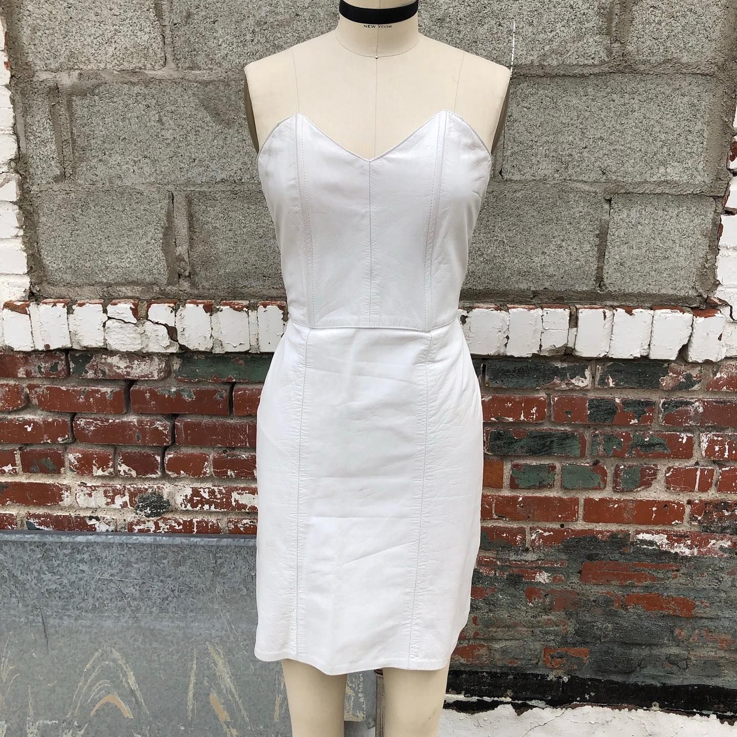 Did Someone Say Leather Dress This 80s Strapless White Leather Dress Will Bring Out The Rocker In You Avail White Leather Dress Leather Dress 1980 S Fashion [ 1440 x 1440 Pixel ]