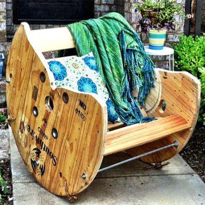 mobilier d 39 ext rieur transformer une bobine de c ble en meubles pour une terrasse jardin ou. Black Bedroom Furniture Sets. Home Design Ideas