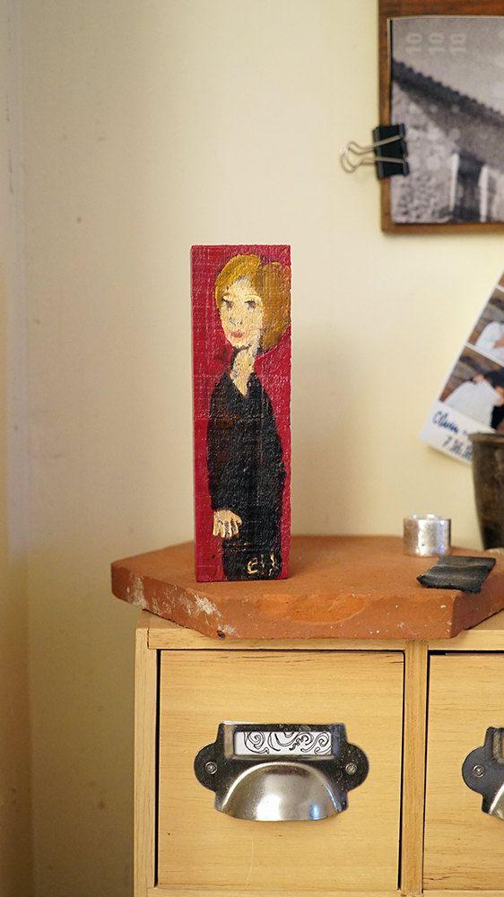 Petite peinture sur bois acrylique et vernis - Personnage féminin