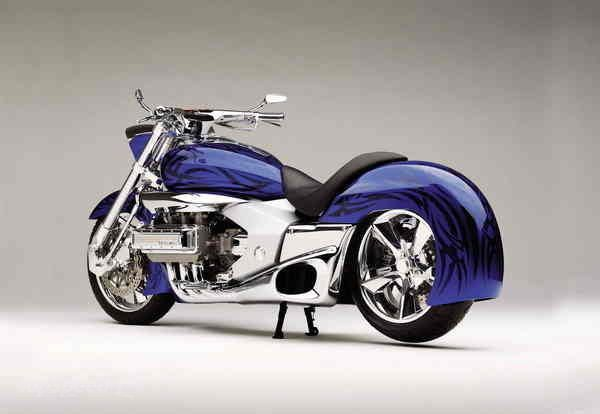 2004 Honda ValKyrie Rune Concept Type 2 - check out that skirt!