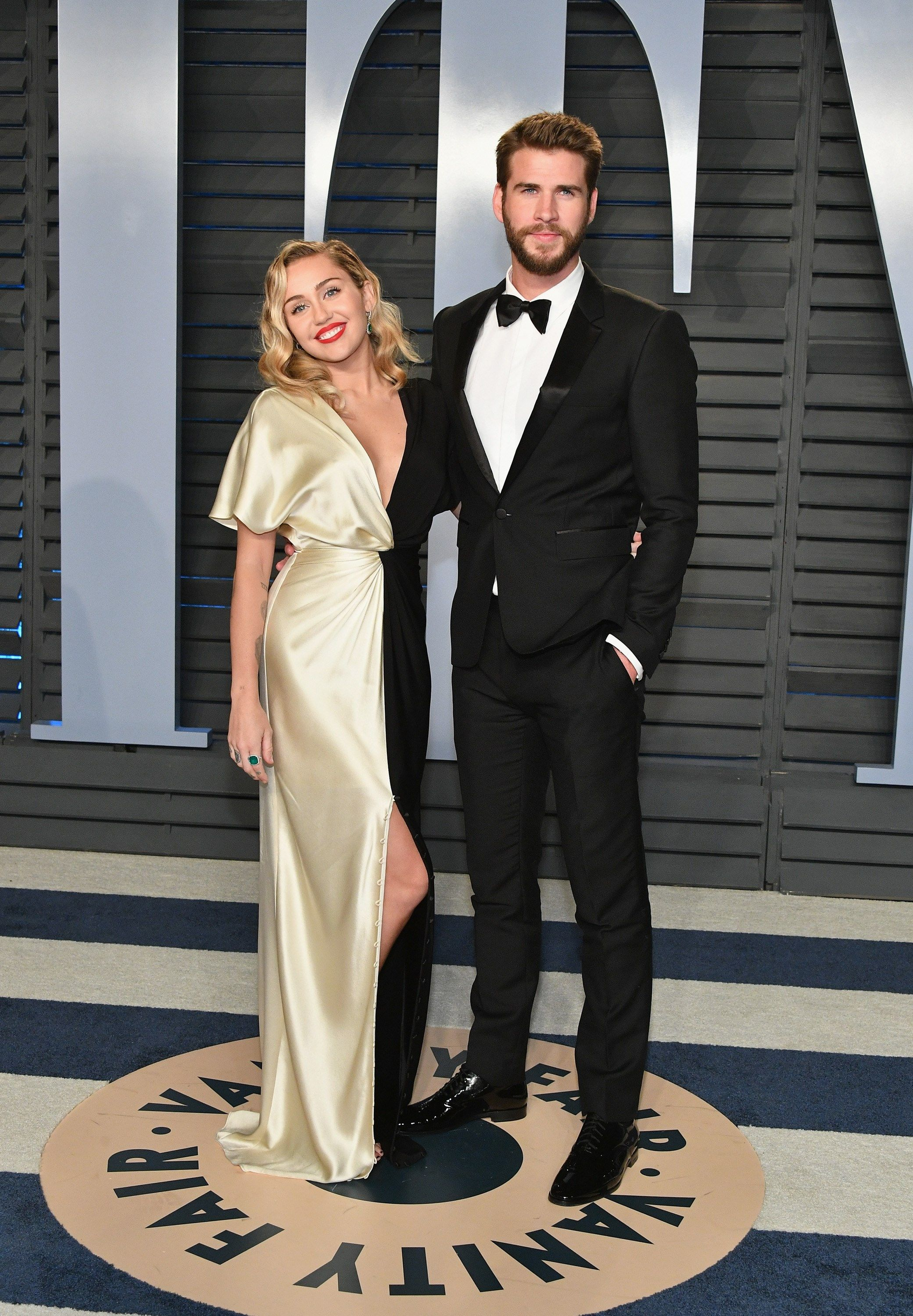 22e685f253302a Miley Cyrus and Liam Hemsworth at the 2018 Vanity Fair Oscars after party