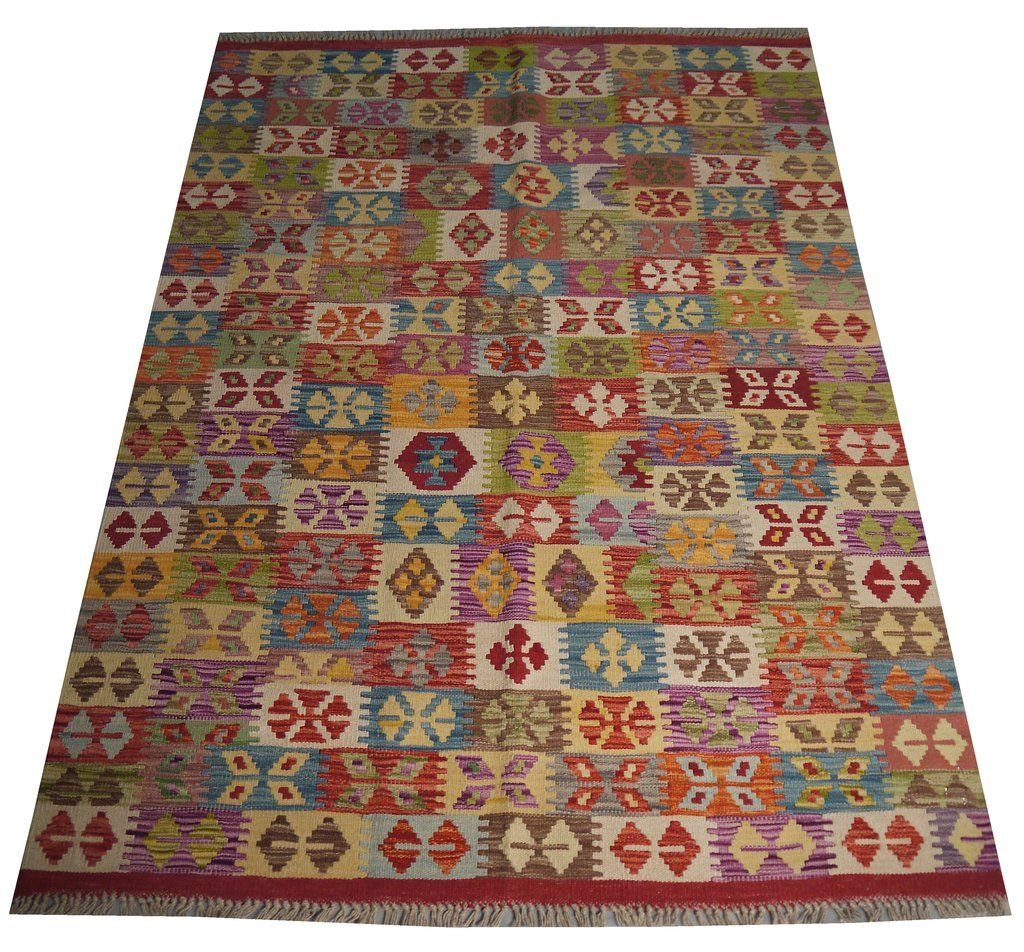 Kelims Are Woven Carpets In Which Coloured Wefts Form The Face Of The Finished Weaving This Term Also Refers To T Handmade Persian Rugs Rugs On Carpet Carpet