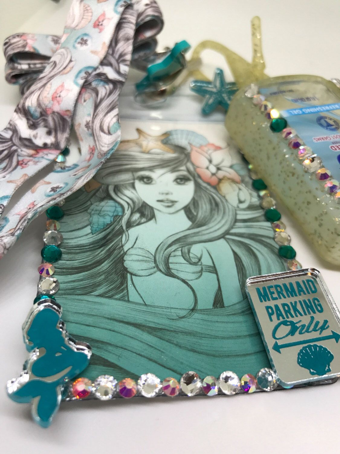 Pin By Monique Benjamin On Handcandyco Custom Badges Id Holder